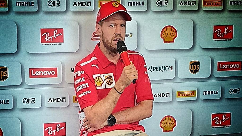 Bei der Medienrunde in Frankreich trägt Vettel den Ehering - eter Stefansky/RTL.de