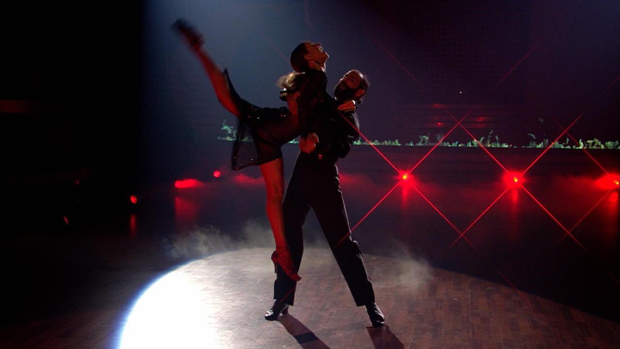 Let S Dance Die Grosse Profi Challenge Ekaterina Leonova Gewinnt Den Pokal Mit Massimo Sinato