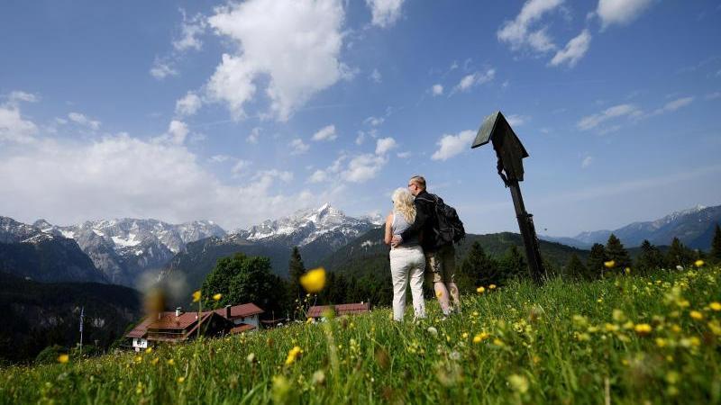 Neurobiologe Hufnagl empfiehlt, gerade im Urlaub auf die Details der Umgebung zu achten, um zu entspannen. Foto: Angelika Warmuth/Archiv