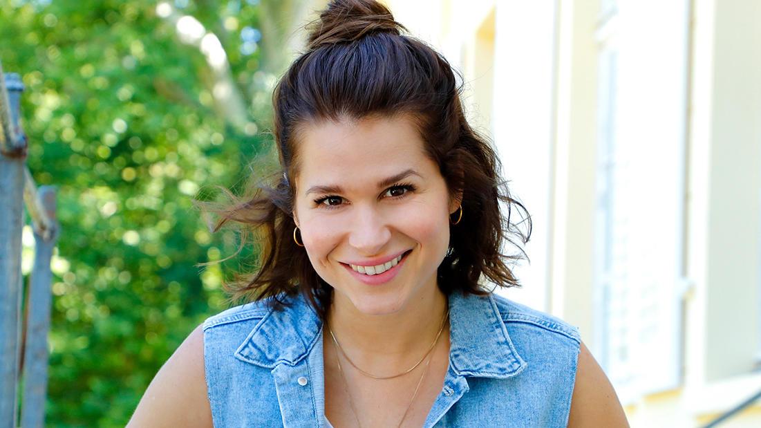 Cristina do Rego spielt Lucie, eine explosive, junge Berlinerin ohne Ausbildung und ohne Plan, die sich selbst nicht im Griff hat, dafür aber alle Anderen.