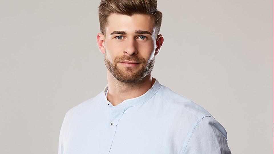 """Marco Schmidt ist 26 Jahre alt und Kandidat bei """"Die Bachelorette 2019"""". Er macht gerne Fitness."""