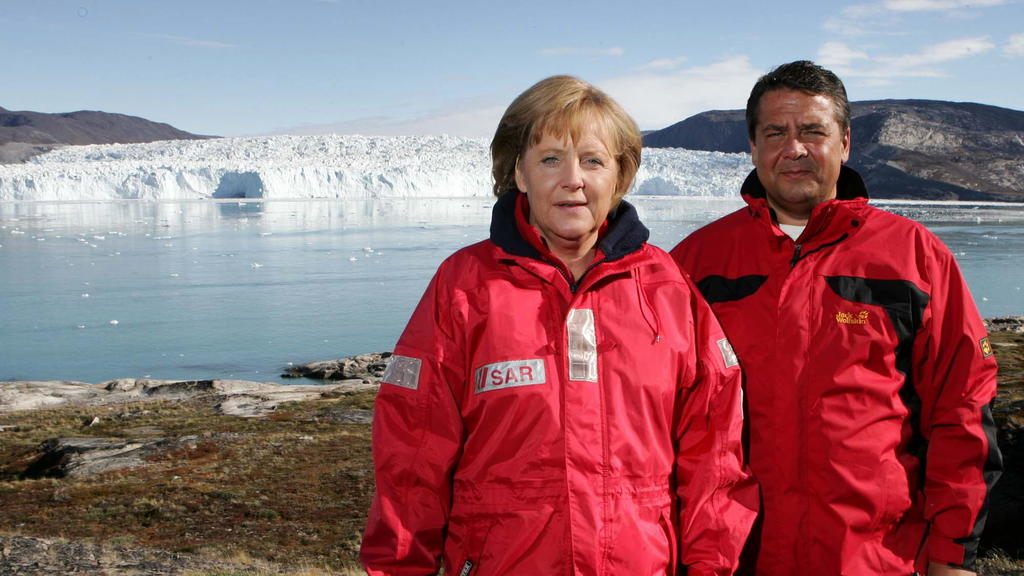 """Angela Merkel und Sigmar Gabriel, im Jahr 2007 als """"klimakanzlerin"""" und als Umweltminister"""