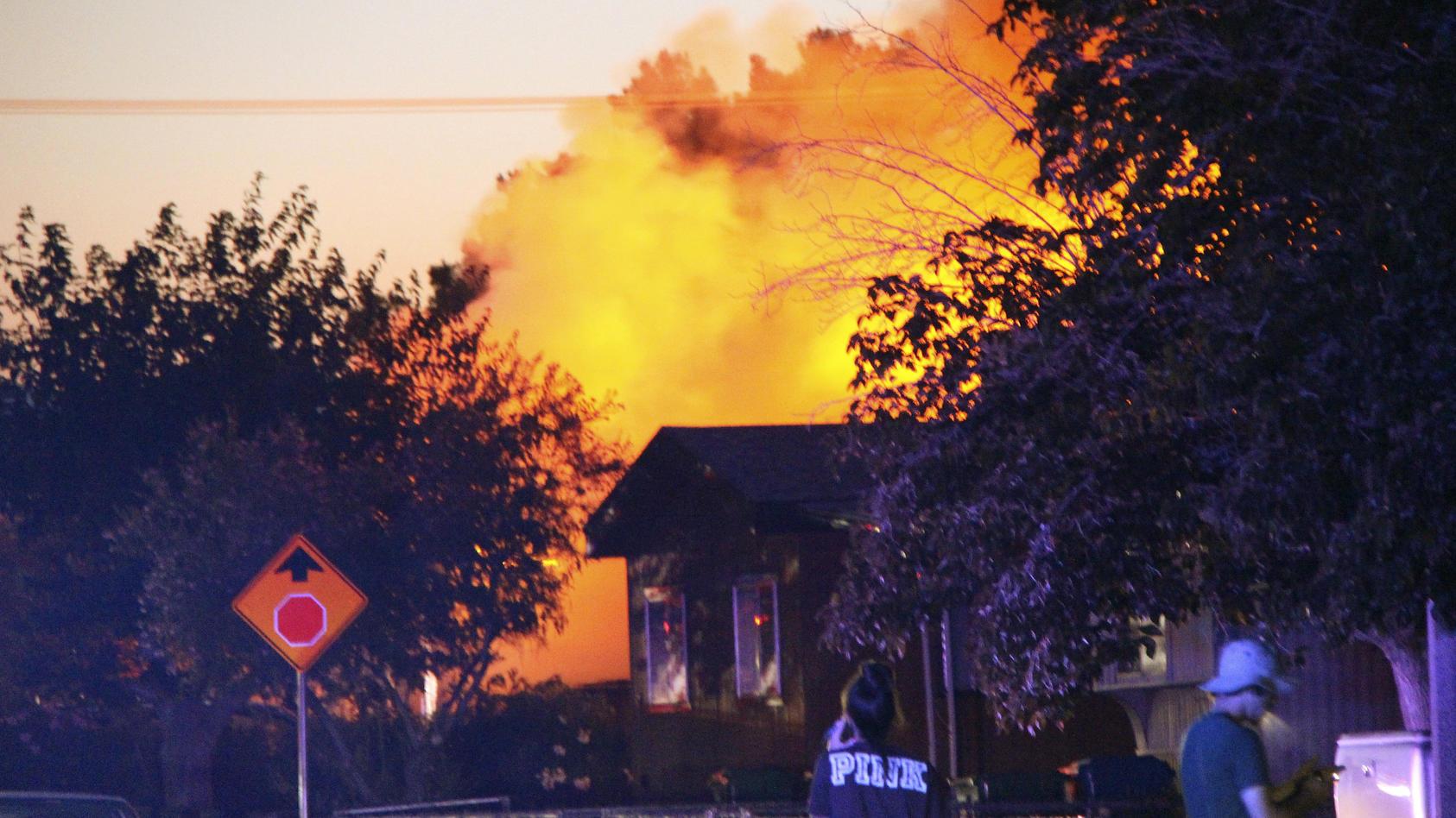Bei dem heftigen Erdbeben in Kalifornien brachen mehrere Feuer aus.