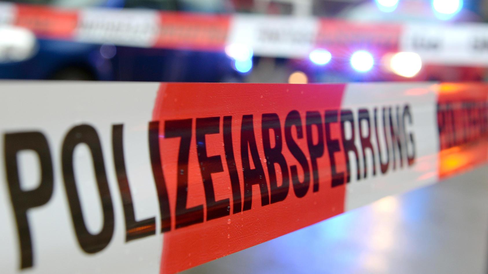 Die Berliner Polizei hat im Stadtteil Friedrichshain am Freitag eine Frau erschossen.