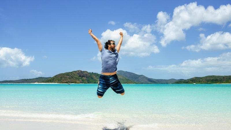 Für ungetrübte Urlaubsfreude lohnt es sich, die rechtlichen Regelungen genau zu kennen. Foto: Kiko Jimenez/Westend61/dpa-tmn