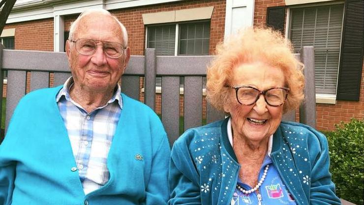 Das verliebte Paar: Phyllis und John Cook.