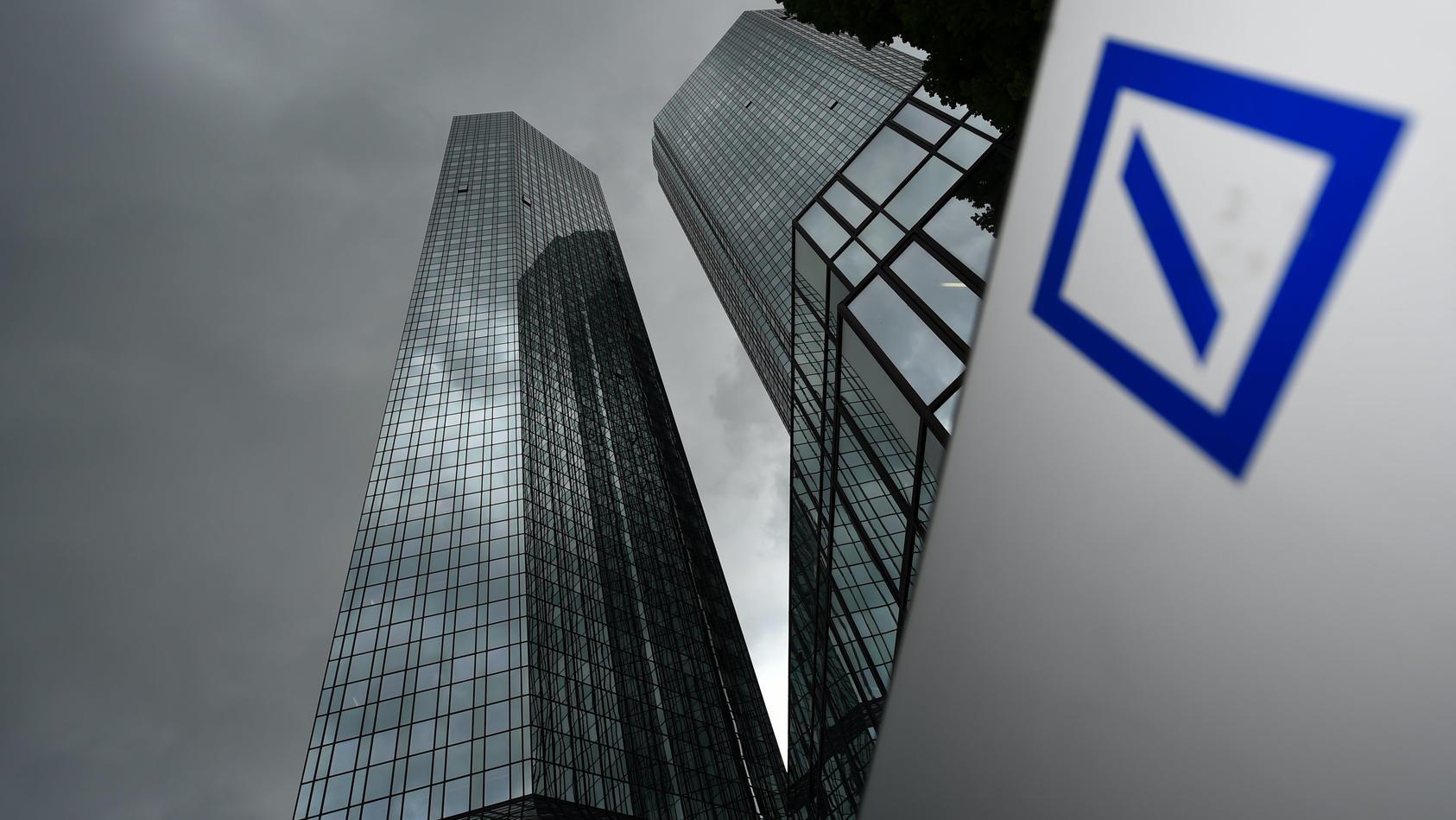 Die Deutsche Bank will auch Stellen in Deutschland streichen.