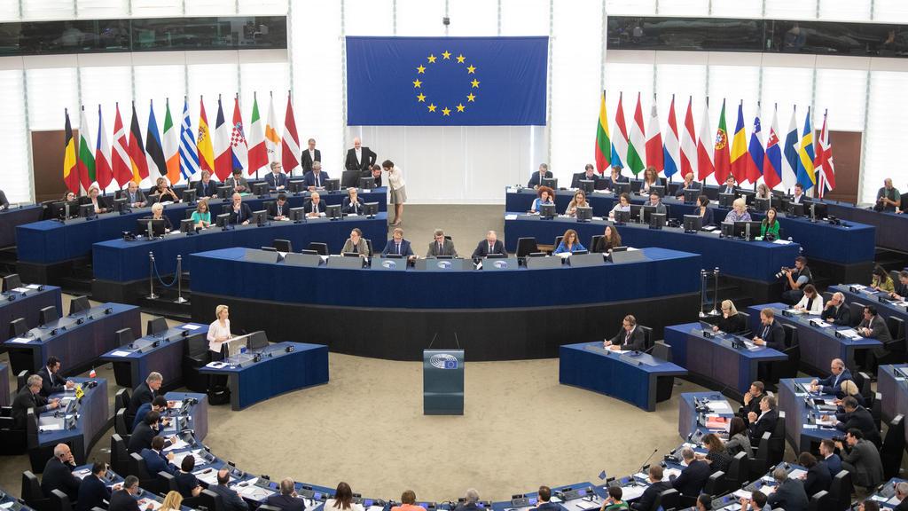 16.07.2019, Frankreich, Straßburg: Ursula von der Leyen spricht bei ihrer Bewerbungsrede vor den Abgeordneten des Europaparlaments. Von der Leyen bewirbt sich als neue EU-Kommissionspräsidentin. Die Staats- und Regierungschefs der EU hatten die CDU-P