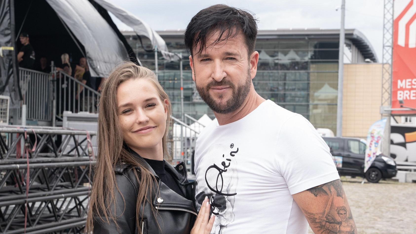 Laura Müller und Michael Wendler bekommen im Netz ihr Fett weg.