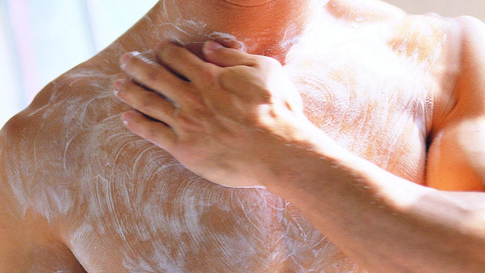 Öko-Test hat 50 Duschgel-Produkte überprüft.