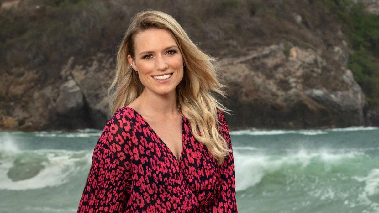 "Vanessa Meisinger moderiert das TVNOW-Original ""Paradise Hotel""."