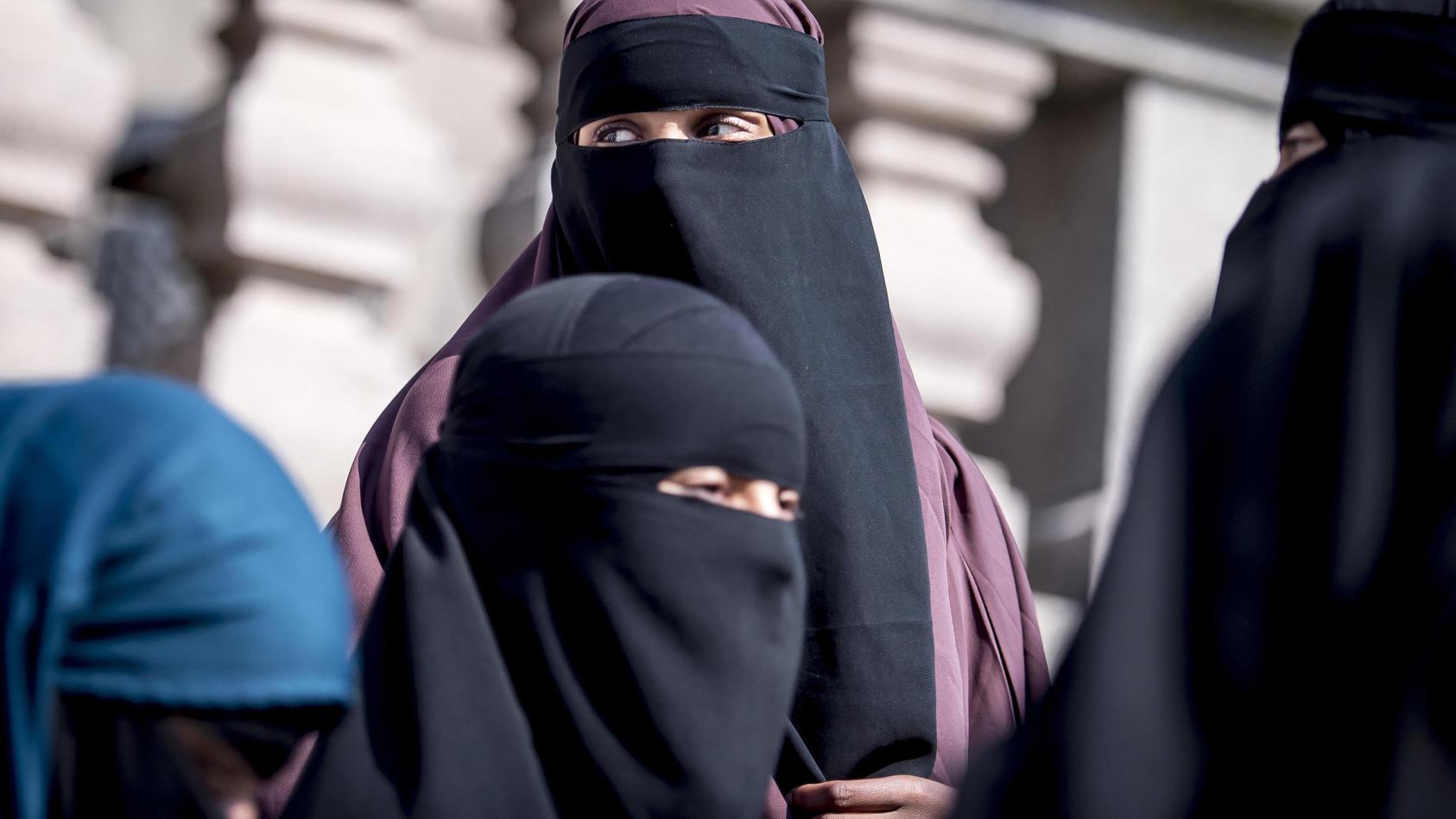 In den Niederlanden tritt ab dem 1. August 2019 ein Burka-Verbot in Kraft.