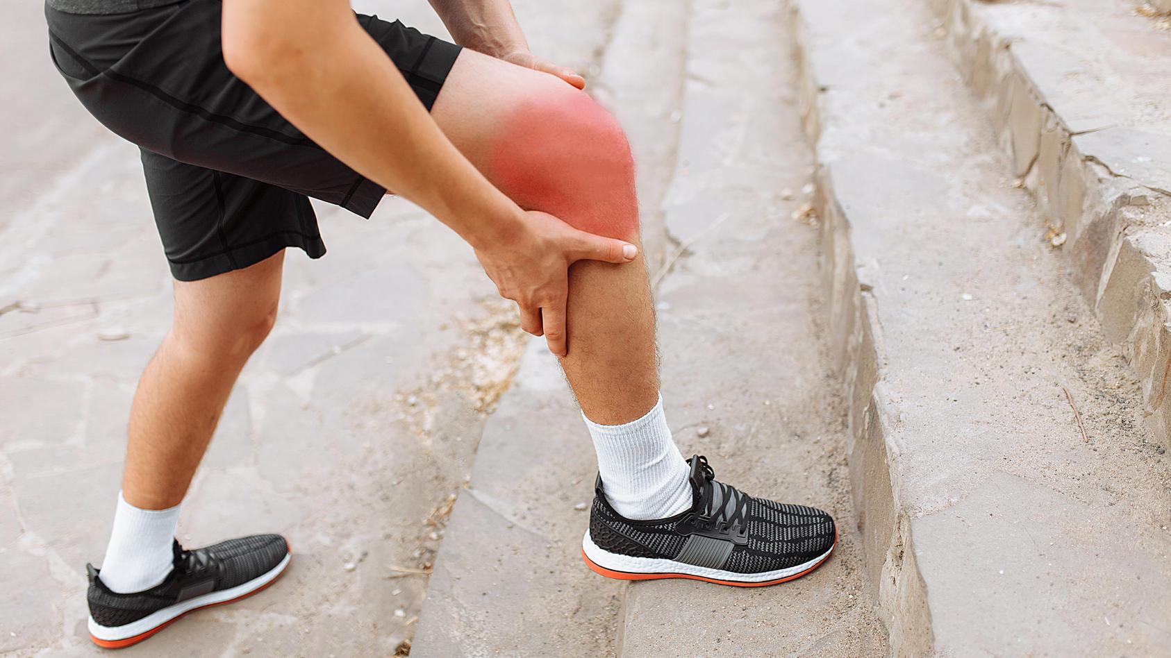 Wenn eine Wunde anschwillt, rot wird und weh tut, kann dies Anzeichen einer Entzündung sein