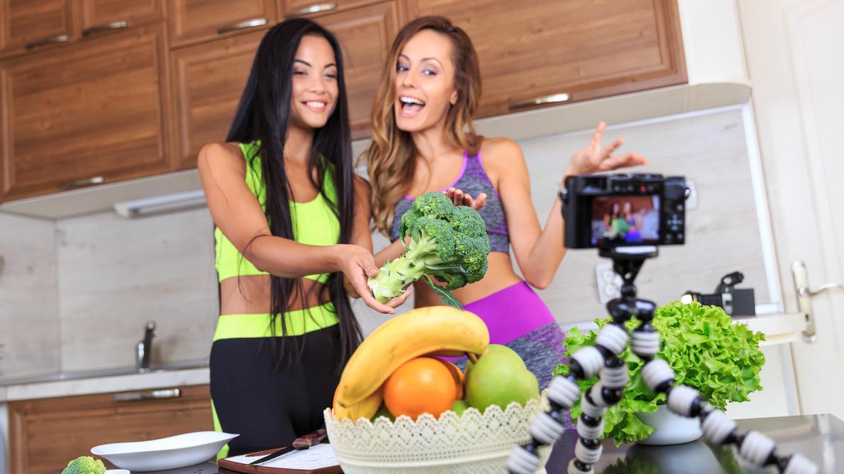 Falsche Social-Media-Vorbilder scheinen bei vielen eine einseitige Ernährung zu begünstigen.