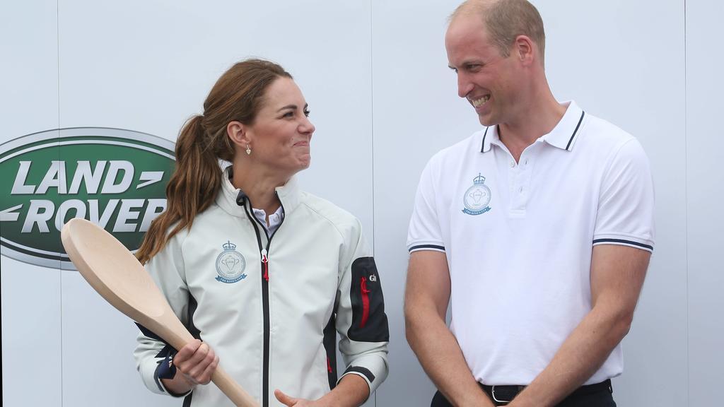"""Herzogin Kate und Prinz William segelten beim """"king's Cup"""" gegeneinander."""