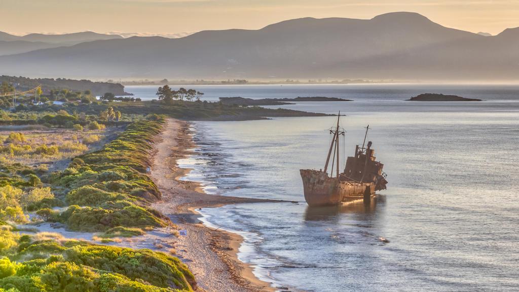 Das Frachtschiff Dimitrios vor der griechischen Küste.