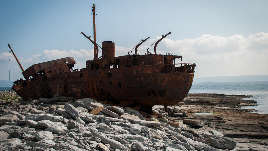 Die MV Plassey vor der irischen Küste.