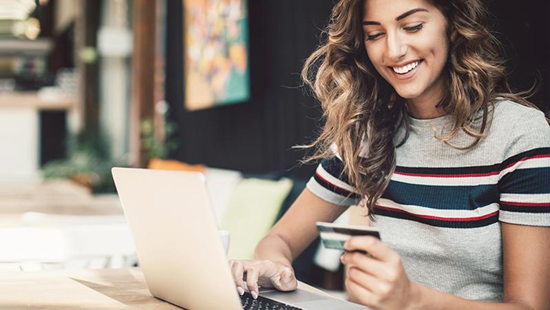 Das Bezahlen beim Online-Kauf wird bald komplizierter.