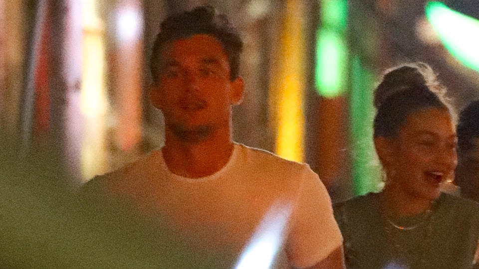 Tyler Cameron und Gigi Hadid wurden von Paparazzi in New York erwischt.