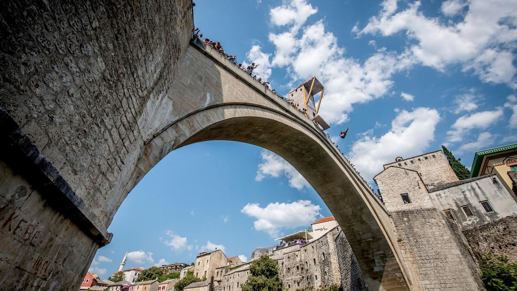 Stari Most, Wahrzeichen der Stadt Mostar in Bosnien-Herzegowina.
