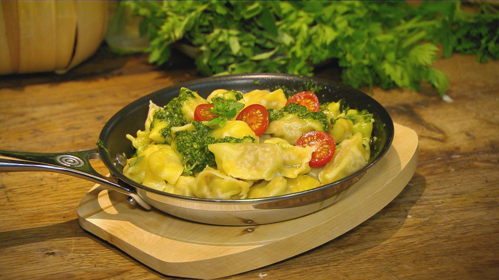 Heute gibt's Pasta. Basta!: Ravioli mit Kräuter-Pesto