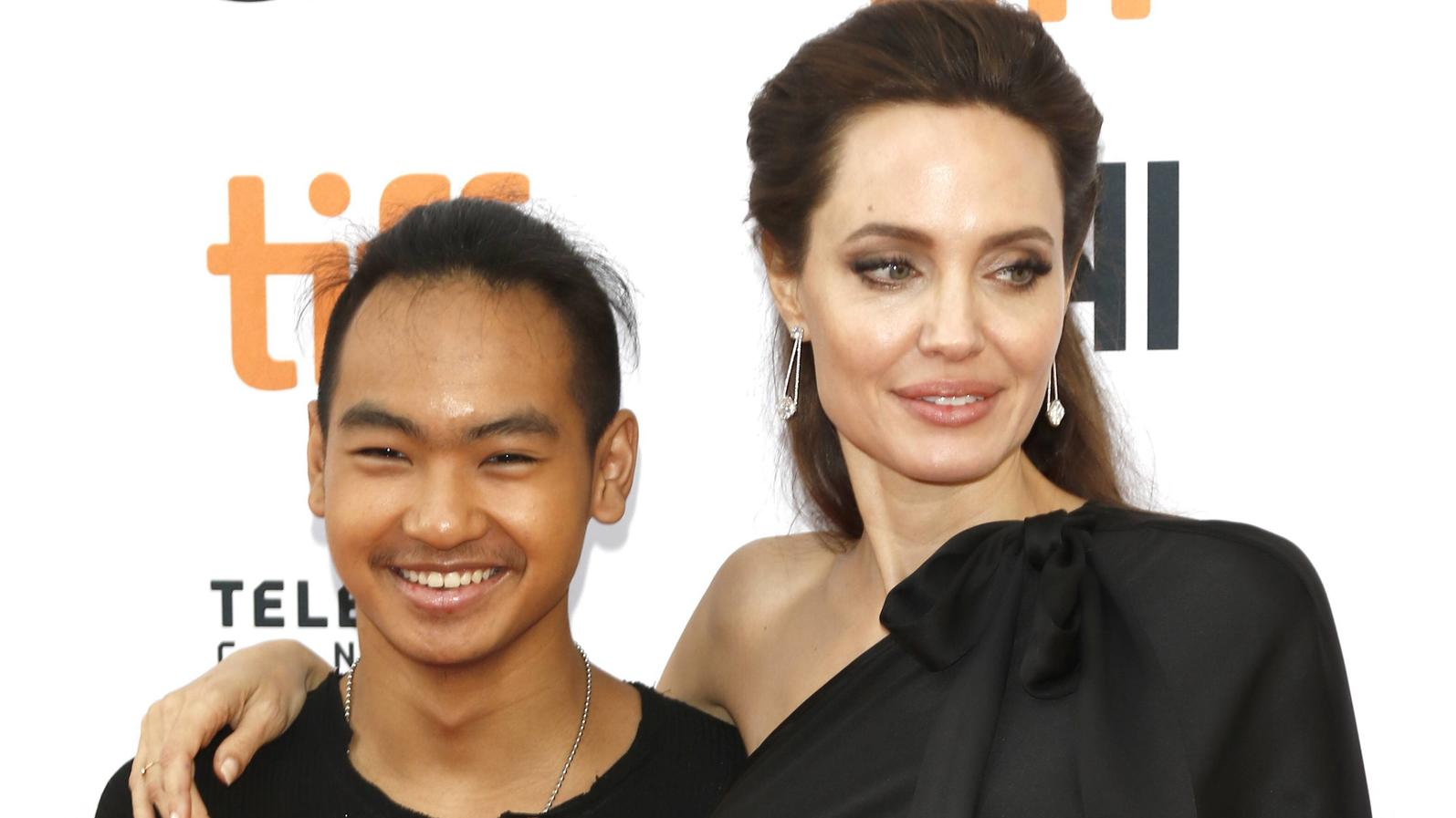 Maddox wurde im März 2002 von Angelina aus einem Waisenhaus in Kambodscha adoptiert.