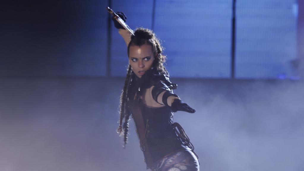 AWZ: Michelle läuft bei der Eis-Show.