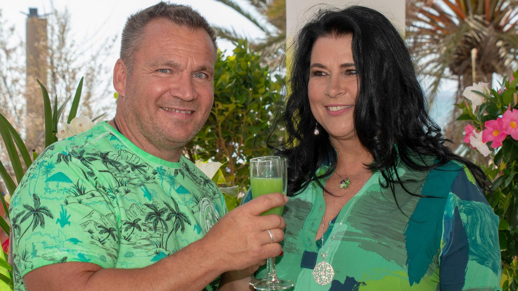Iris Klein und ihr Peter sind auch nach vierzehn Ehejahren glücklich miteinander.