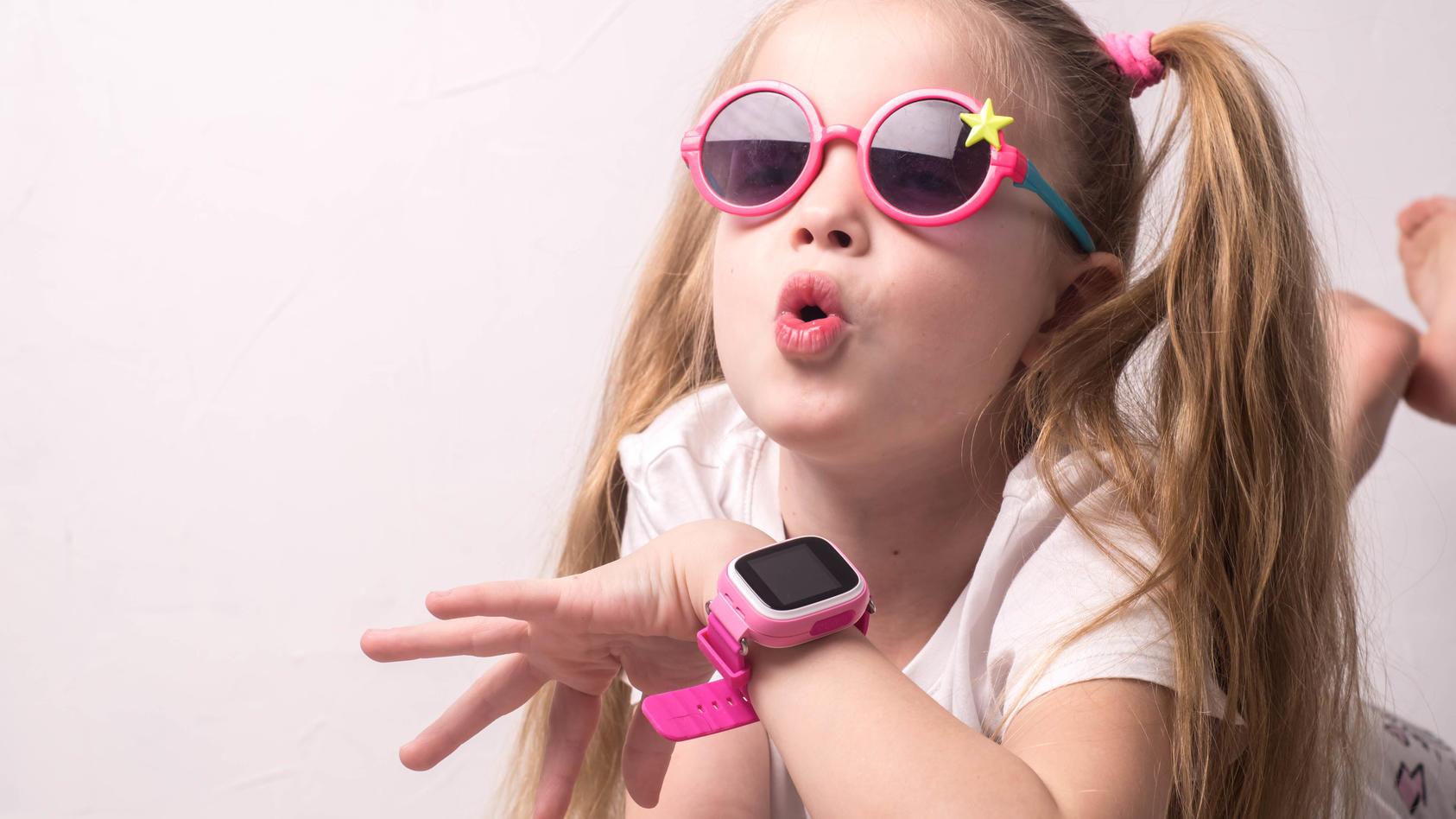 Smartwatches stehen bei vielen Kids auf dem Wunschzettel - und bei ihren Eltern ebenfalls