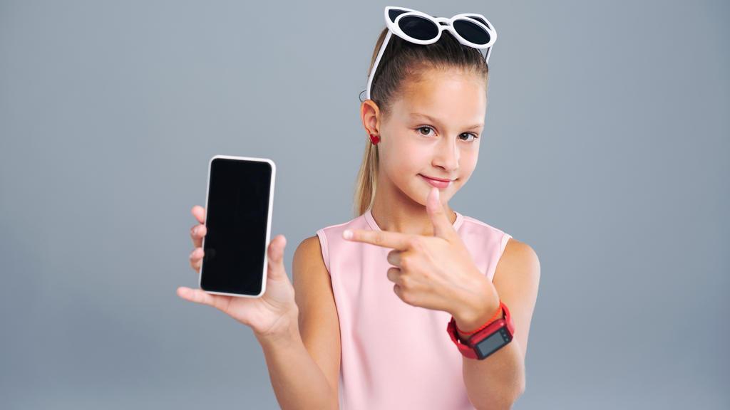 Je nach Alter des Kindes kommt statt einer Smartwatch auch ein Smartphone in Frage
