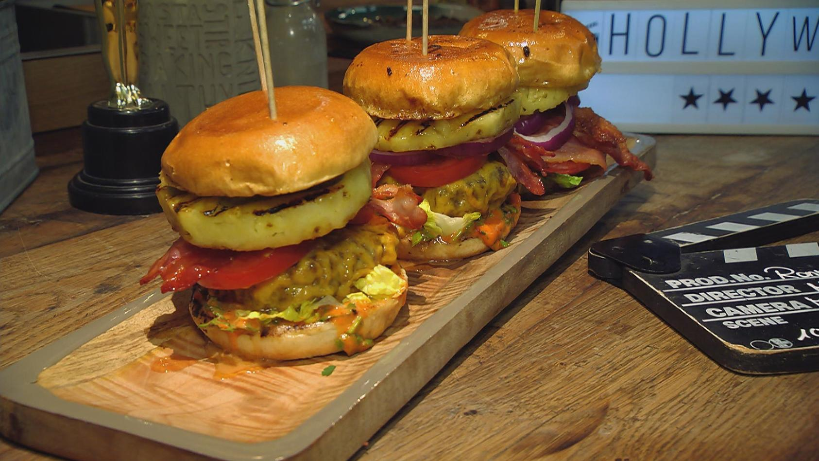 "Hollywood Filmabend – Prominente Gerichte zum Nachkochen: ""Big Kahuna"" Burger à la Pulp Fiction"