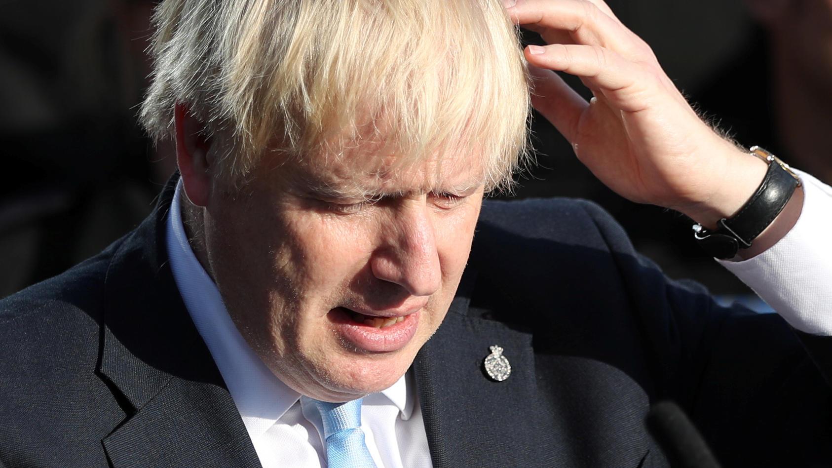 Der britische Premierminister Boris Johnson besuchte Polizeischüler in West Yorkshire.