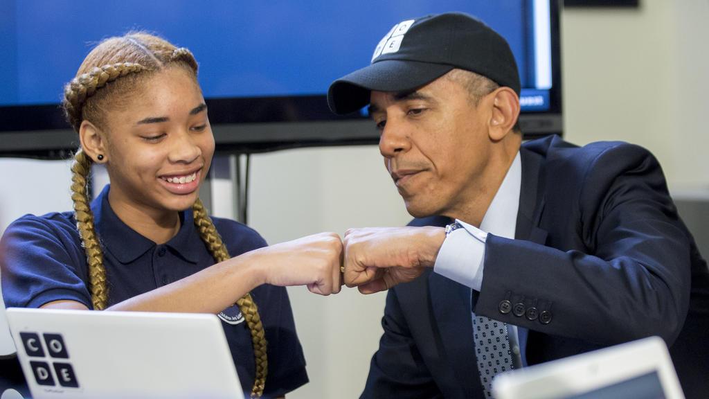 Barrack Obama Fist Bump