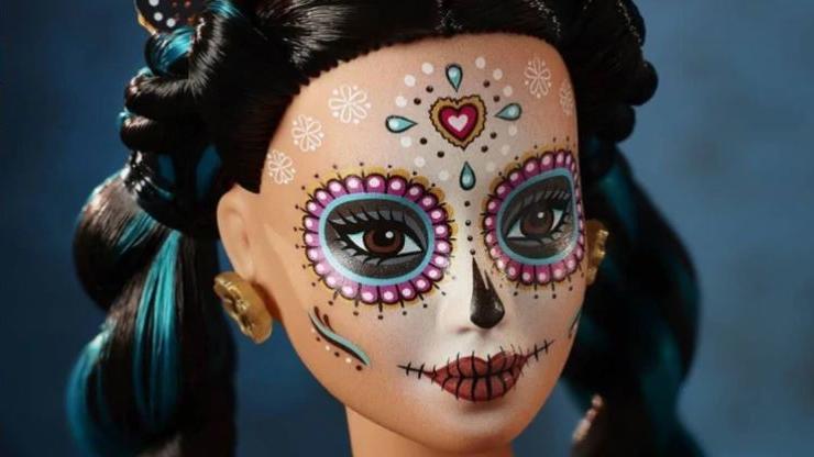 Wunderschön verzierte Barbie zum Tag der Toten.