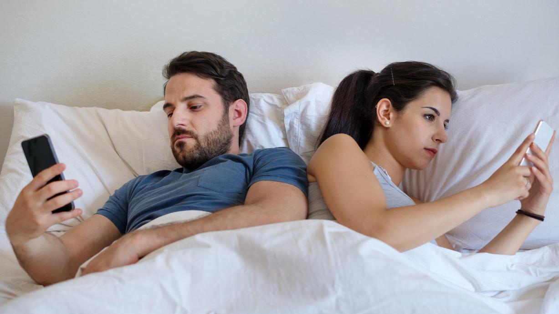 Zu viel Ablenkung vom Wesentlichen? Wer sich in der Freizeit zu viel Stress macht, hat weniger Sex.