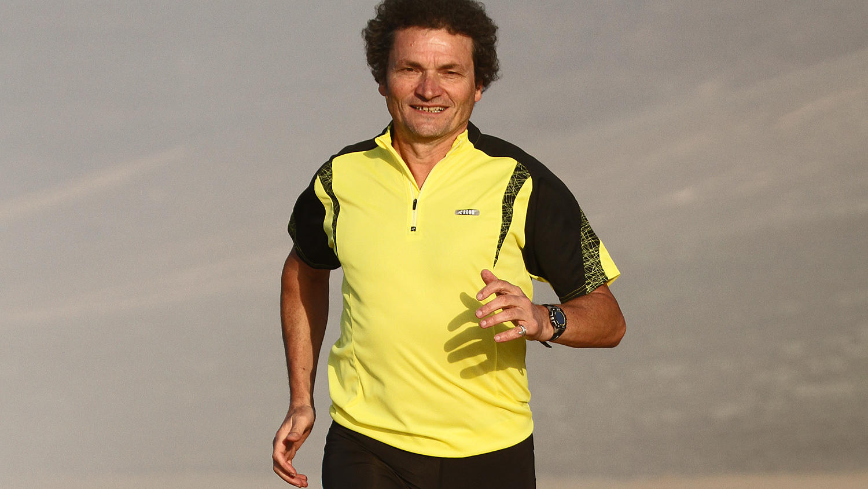 Herbert Steffny ist ein ehemaliger deutscher Langstreckenläufer, Lauftrainer, Laufbuchautor und Diplom-Biologe