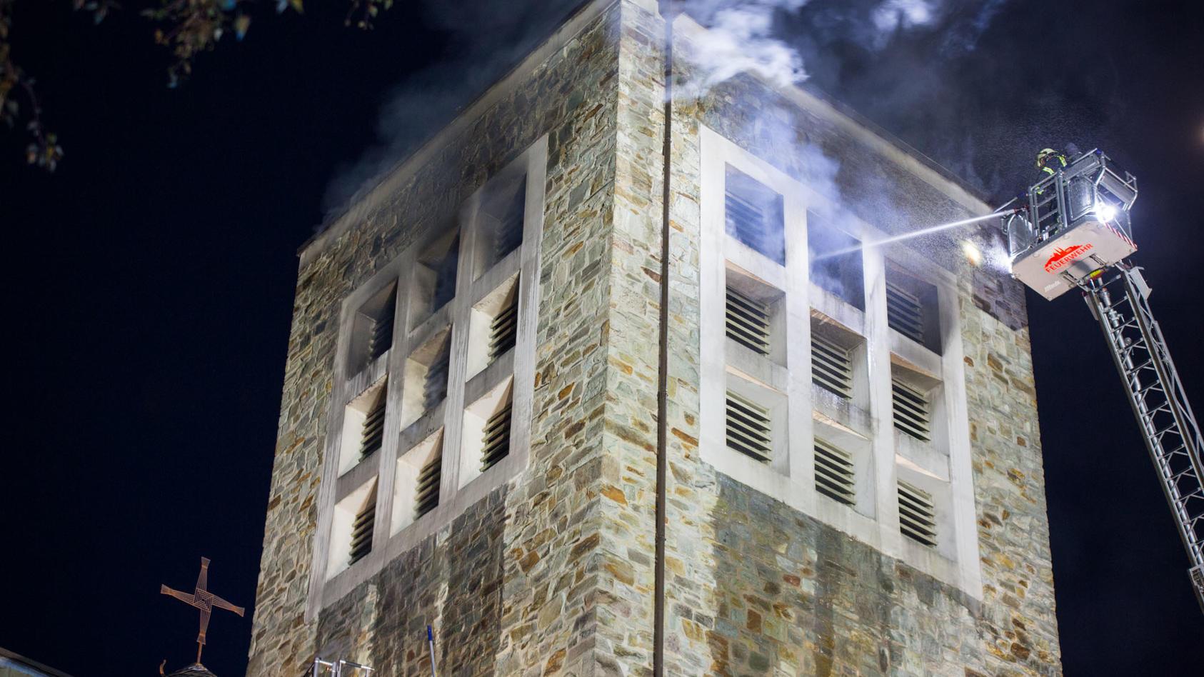 Feuer in Kirchturm in Wiesbaden ausgebrochen