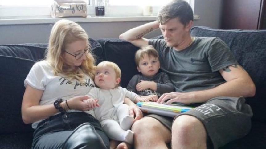 Lewis Pearce macht sich Sorgen um seine Familie.