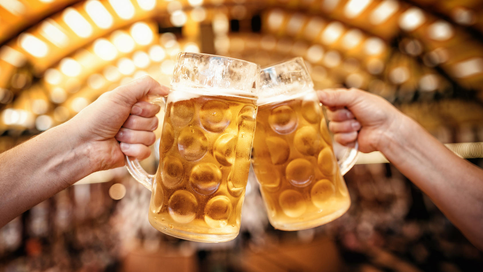 Die Bierpreise auf dem Oktoberfest sind im Vergleich zum Vorjahr gestiegen.