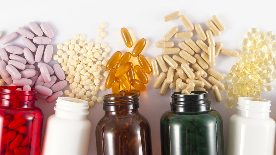 Für gesunde Menschen sind Vitaminpräparate meist überflüssig.