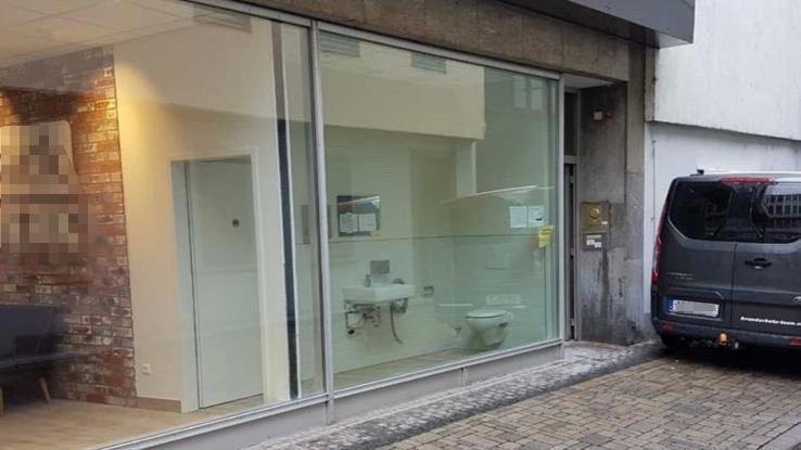 Das Panorama-WC: Kommen Sie rein, dann können Sie rausschauen!