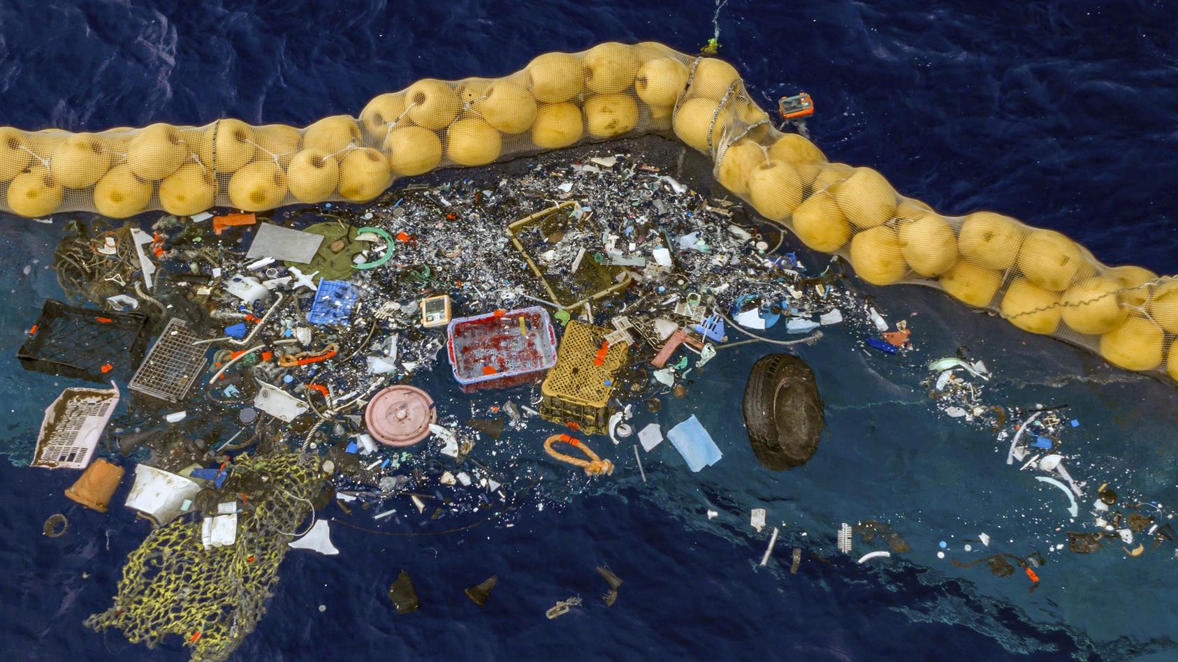 Plastikreinigung im Pazifischen Ozean