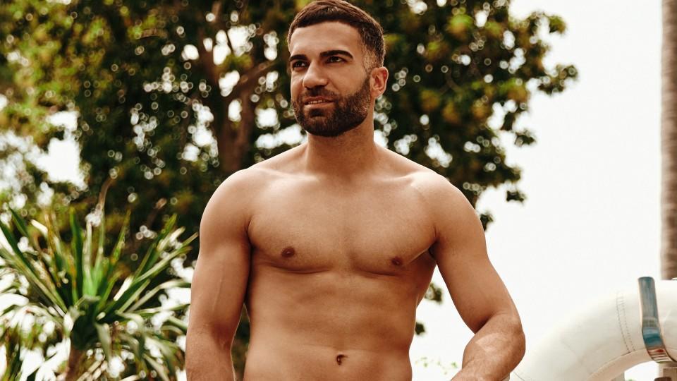"""Während """"Bachelor in Paradise"""" wagt Rafi den mutigen Schritt, sich zu outen."""