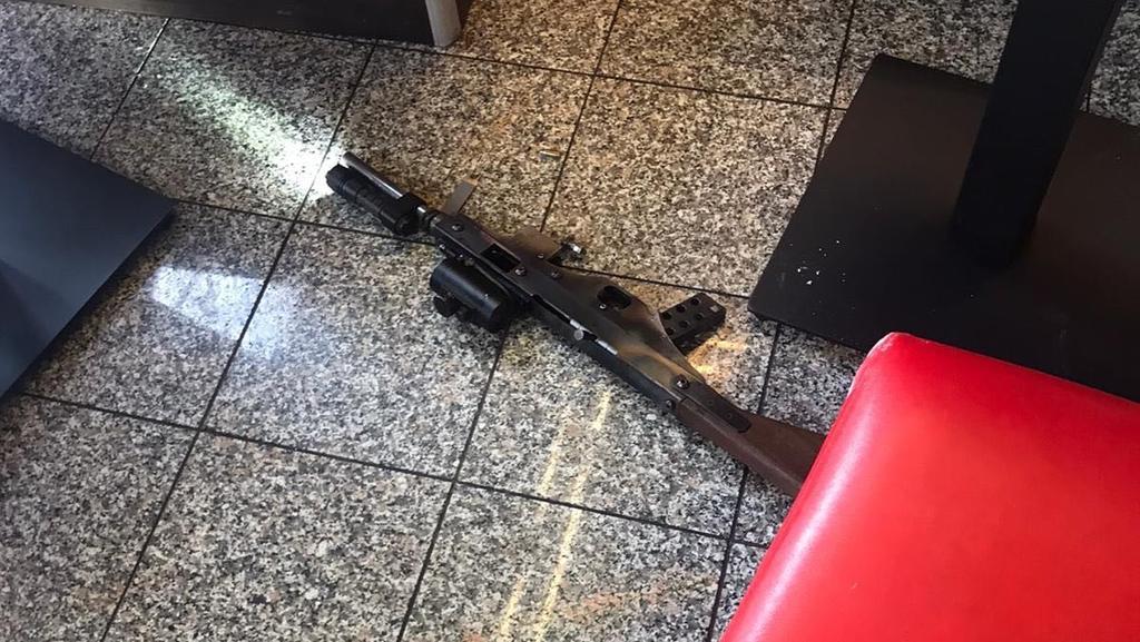 Augenzeugen-Foto einer Tatwaffe vom Anschlag in Halle in der Dönerbude