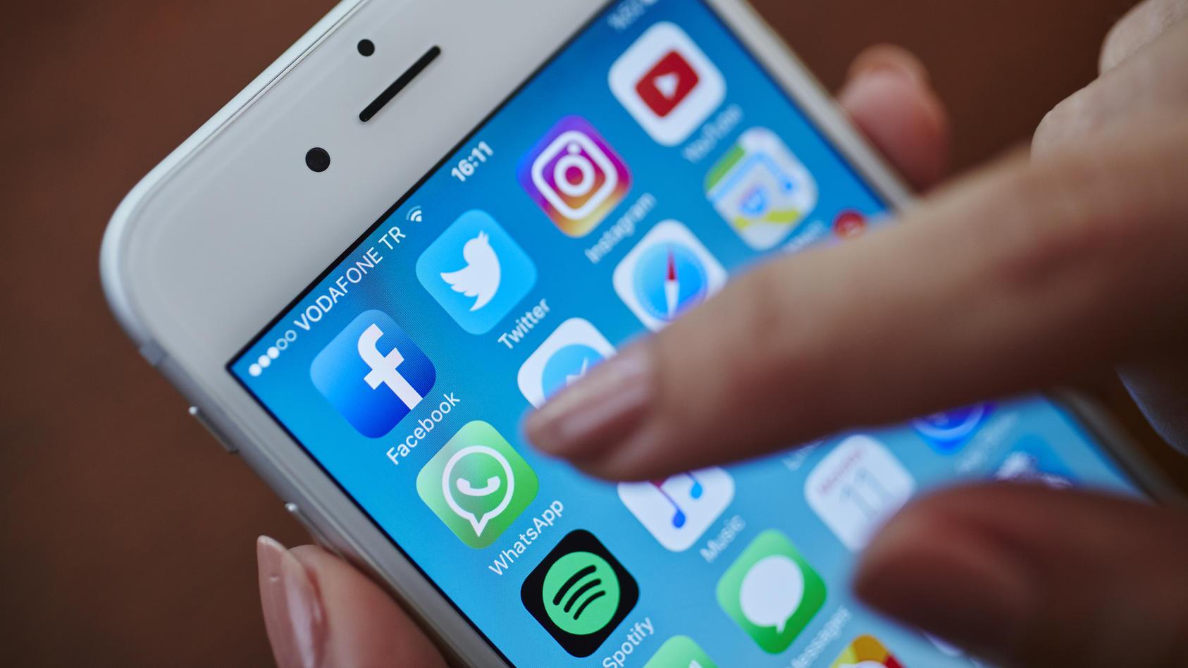 Über diese neuen WhatsApp-Funktionen dürfen iPhone-Nutzer sich freuen.
