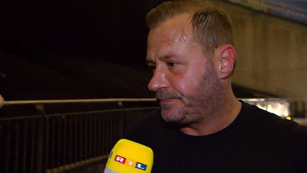 """Willi Herren versteht im RTL-Interview nicht, wieso er bei """"Olé auf Schalke"""" von der Bühne geholt wurde."""