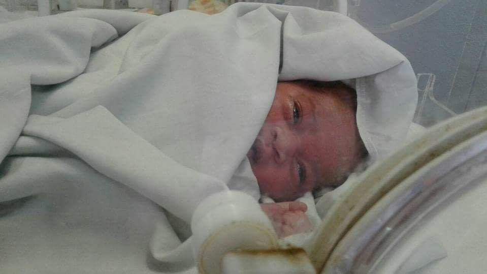 Baby Grace April wurde in der Kanalisation gefunden.