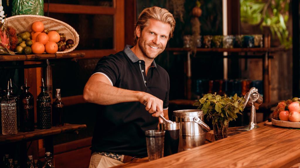 Paul Janke, Barkeeper im Paradies.