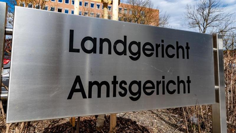 Das Land- und Amtsgericht in Landshut. Foto: Armin Weigel/dpa/Archivbild