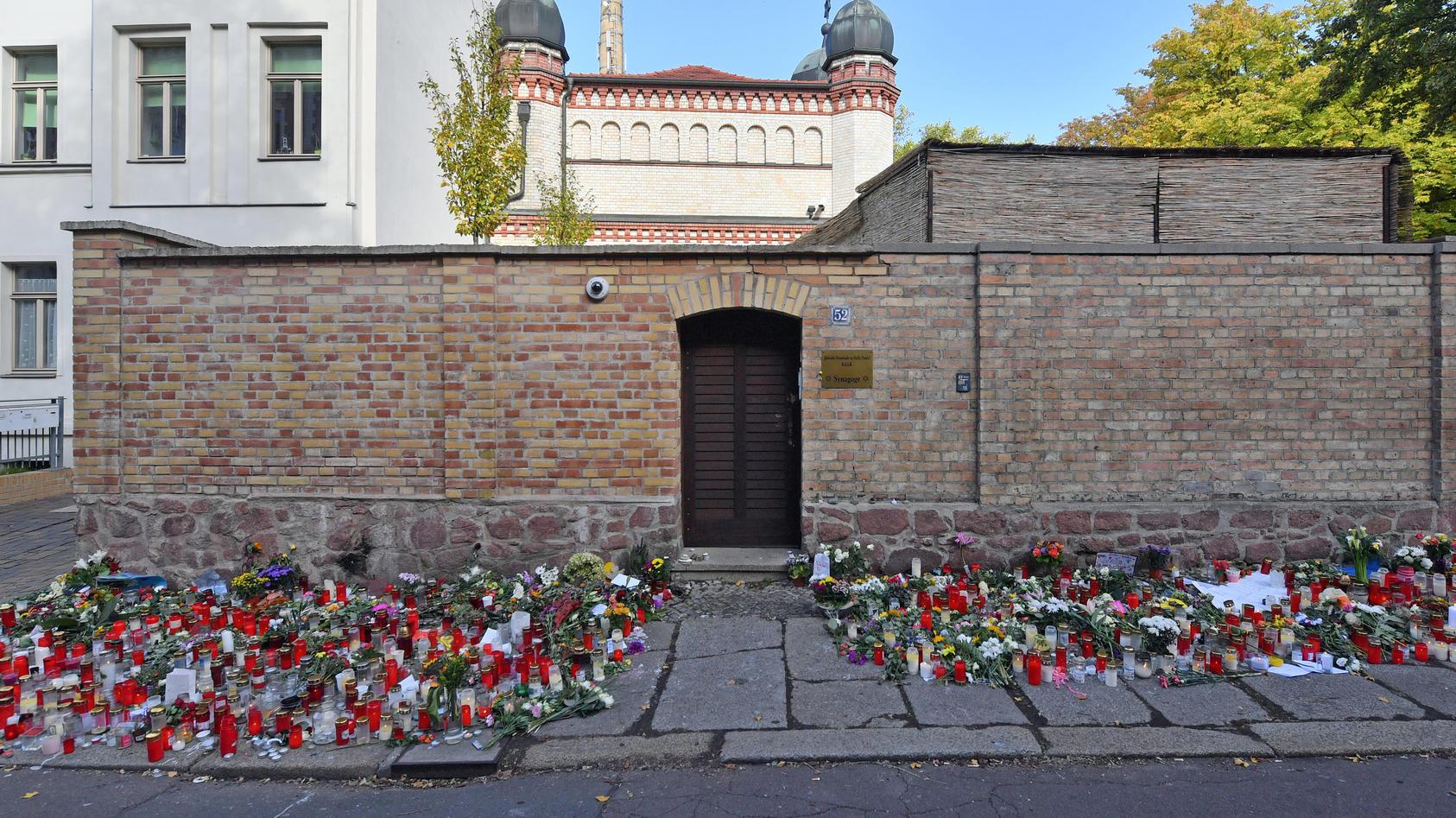 Synagoge in Halle: Die Tür soll aus der Fassade genommen und als Gedenkstätte neu aufgestellt werden.